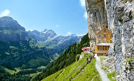 Äscher Cliff Hotel