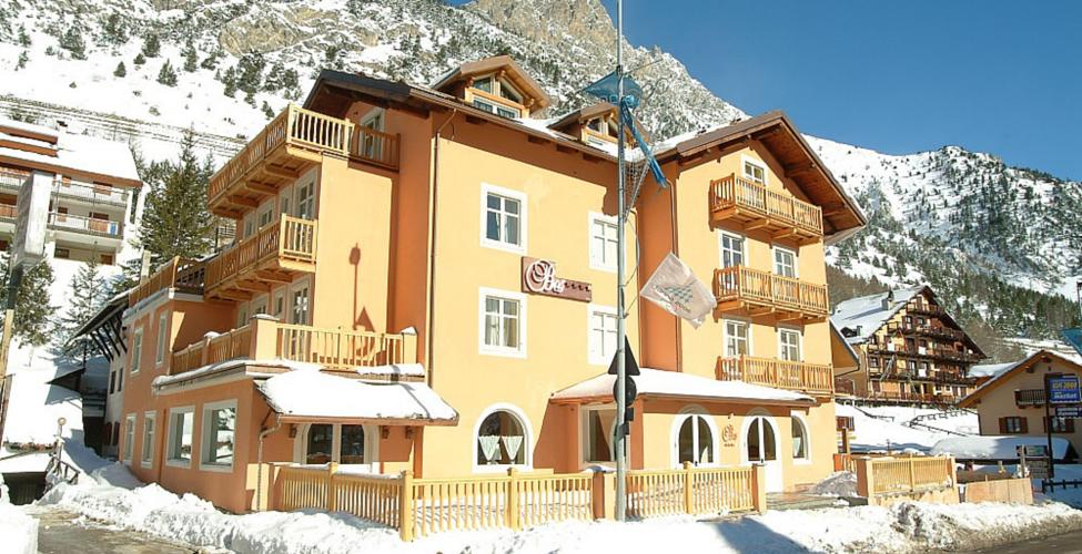 Nobiltà alpina: il Bes Hotel della famiglia Marcucci