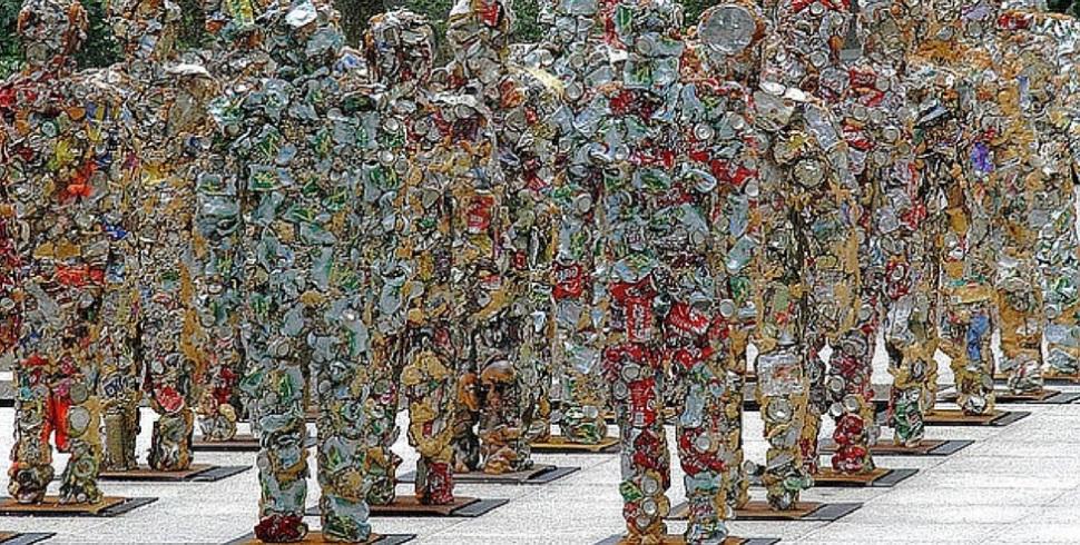 Trash People, installazioni monito all'umanità
