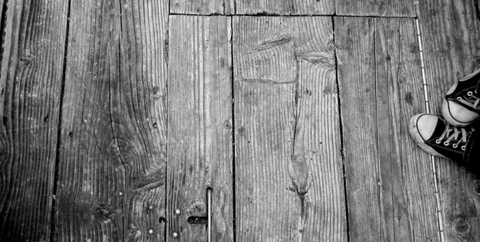 Legno, moquette, piastrelle: quale pavimentazione scegliere?