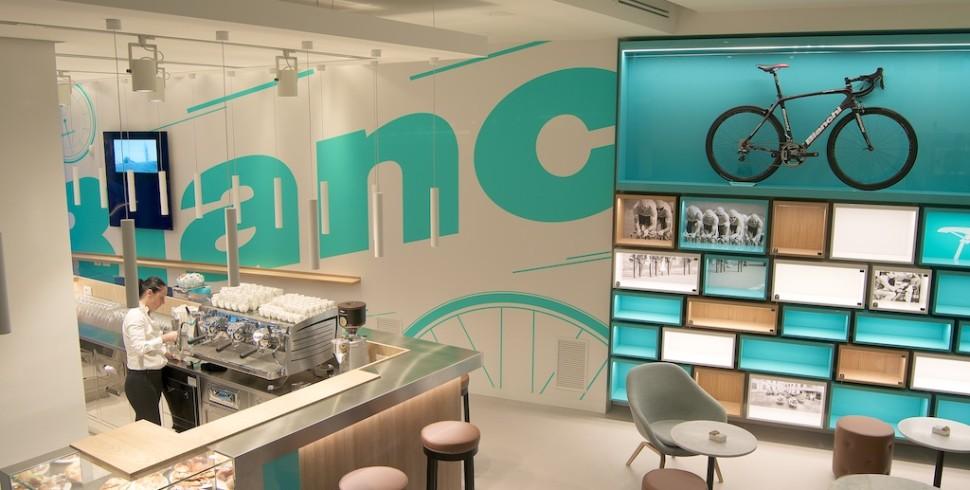 Finalmente anche Milano ha il suo Bianchi Café & Cycles!